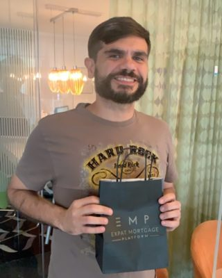 This is Jose from #brazil. Jose is an engineer living in Rotterdam. He bought a beautiful apartment in Vlaardingen. Congrats on your new home Jose. We wish you and your fam all the best!! #mortgage #expatlife #expatsinrotterdam